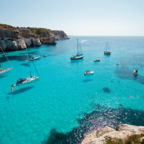Nur 187 € für 4 Tage Menorca mit Zug zum Flug u. tollem Hotel