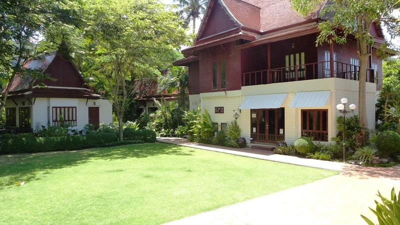 Royal Lanta Resort & Spa - SPA und Gartenanlage