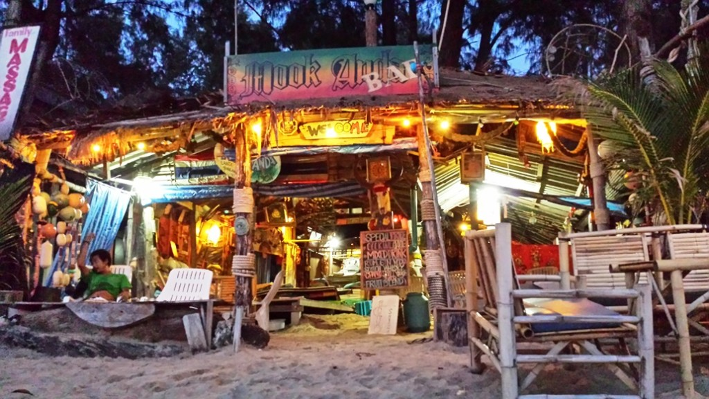 Wunderschöne Bar am Klong Dao Beach