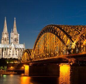 Wochenende in Köln, gutes 4* Hotel für nur 118 Euro inkl. Bahnfahrt (ICE, IC, EC)