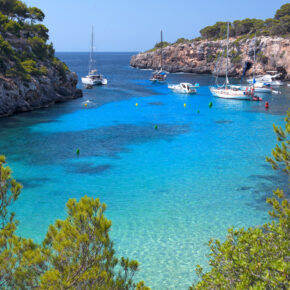 Sommer: 7 Tage Mallorca in TOP 4* Hotel mit Halbpension, Flug, Transfer & Zug nur 459€