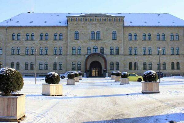 Schlosshotel Blankenburg Einfahrt