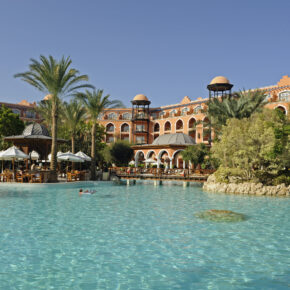 Single: 7 Tage im 5* Grand Resort Hurghada mit All Inclusive, Flug & Transfer nur 386€