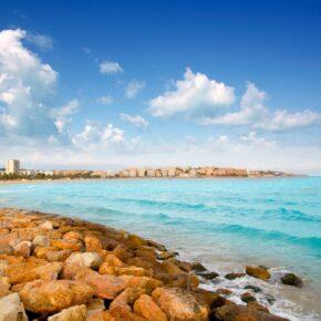 Herbstferien in Spanien: 7 Tage im 4* Hotel mit Halbpension & Flug nur 230€