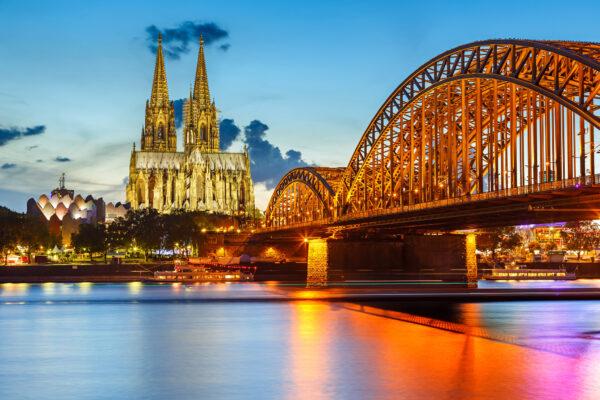 Blick über Köln mit Dom