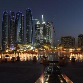 7 Tage Abu Dhabi im TOP 5* Luxus-Hotel inkl. Frühstück, Flug,Transfer & Zug nur 366 €