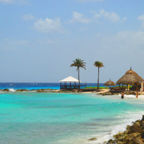 Traumurlaub: 9 Tage Curaçao mit gutem 3.5* Hotel, Flug & Transfer für 575€