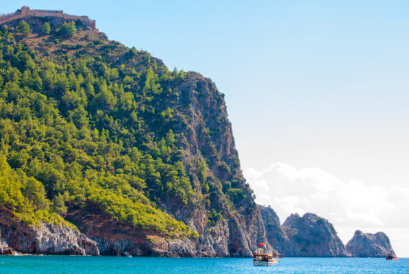 Alanya Türkei Strand mit Boot