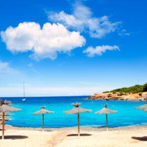Ibiza: 7 Tage im guten 4* Hotel inkl. Flug & Zug nur 255€