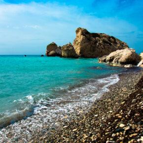 Single Reise nach Zypern für 1 Woche im TOP 3.5* Hotel inkl. Frühstück & Flug nur 322€