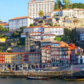 Städtereise: 3 Tage Porto im zentralen Hotel inkl. Frühstück & Flug ab 109€