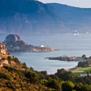 Griechische Insel: 14 Tage Kos im guten 3* Hotel, Frühstück, Zug zum Flug & Flug nur 295€