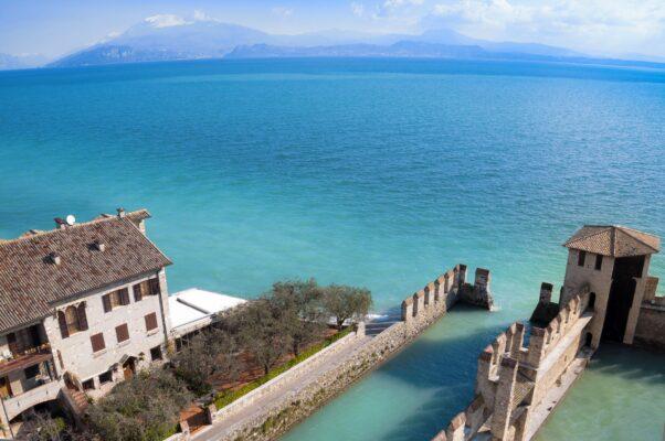 Gardasee Sirmione Schloss Italien