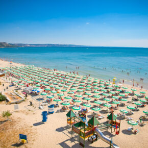Bulgarien: 7 Tage im 4* Hotel mit All Inclusive, Flug, Transfer & Zug nur 225€