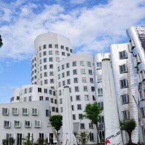 2 Tage Düsseldorf im guten 4* HK Hotel mit Sauna nur 23 €