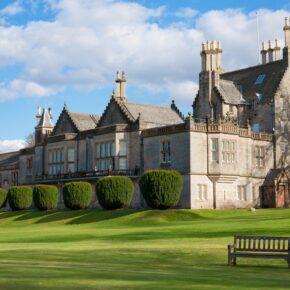 Schottland: 4 Tage Edinburgh in Junior Suite im zentralen 4* Hotel mit Flug nur 79€
