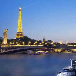 3 Tage Romantik-Städtereise Paris im 4* Hotel inkl. Frühstück und Love-Box ab 165 €