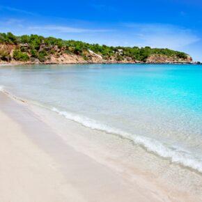 Ibiza: 8 Tage im guten 3.5* Hotel mit All Inclusive, Flug & Transfer nur 389€