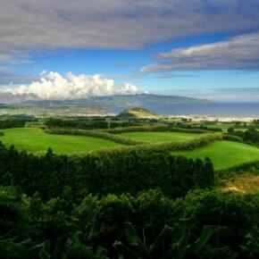 7 Tage auf die portugiesischen Azoren mit gutem 3,5* Hotel & Flug für 290 €