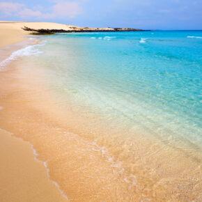 Kanaren: 7 Tage Fuerteventura mit 4* Villa & Flug nur 158€