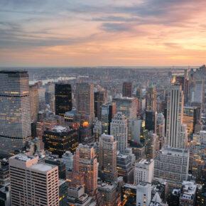 New York im Mai: 5 Tage im 3.5* Times Square Hotel inkl. Flug ab 594 €