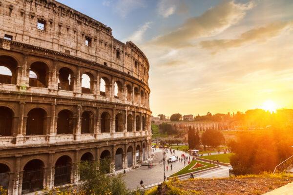 Kolloseum in Rom bei Sonnenuntergang