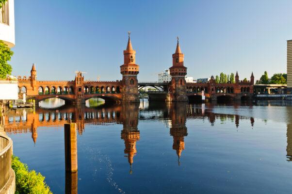 Oberbaum Brücke in Berlin Kreuzberg
