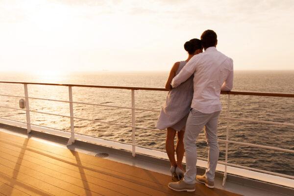 Paar auf Deck, Kreuzfahrt