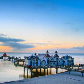 Langes Wochenende auf Rügen: 4 Tage mit Apartment im 3* Hotel, Frühstück & Erlebnisbad ab 99€