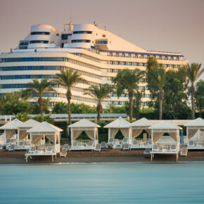 Türkei: 6 Tage im TOP 5* Titanic Beach Lara mit All Inclusive, Flug & Transfer nur 332€