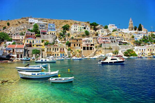 Rhodos Hafen mit Strand