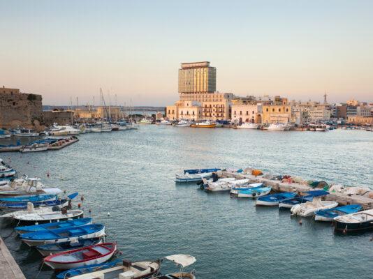 Hafen von Gallipoli Apulien Italien