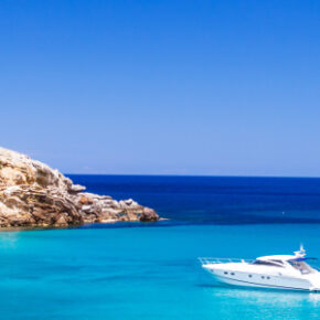 Knaller: 7 Tage Menorca im 4* Hotel mit All Inclusive, Flug, Transfer & Zug nur 362€