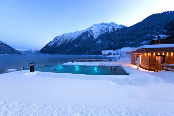 luxus am achensee 4 hotel mit infinity pool hp ab 199. Black Bedroom Furniture Sets. Home Design Ideas