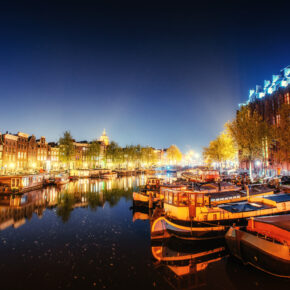 Silvester in Amsterdam: 2 Tage Kreuzfahrt mit Frühstück, Gala-Dinner & Getränke All Inc nur 229€