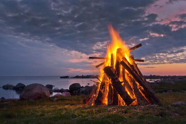 Estland Lagerfeuer
