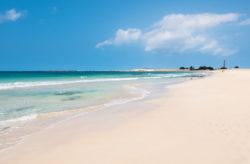 Luxus im Sommer: 8 Tage Kap Verde im tollen 5* RIU Hotel mit All Inclusive, Flug & Transfer nur 599€