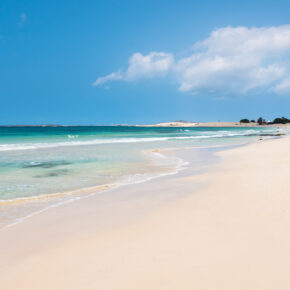 Luxus: 8 Tage Kap Verde im tollen 4.5* RIU Hotel mit All Inclusive, Flug & Transfer nur 659€