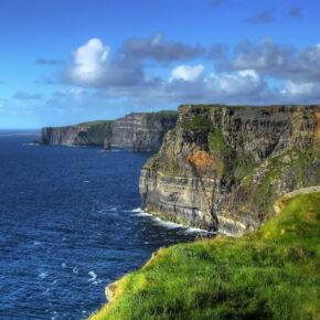 Fly & Drive Irland: 8 Tage Rundreise in Irland mit Flug & Mietwagen nur 22€