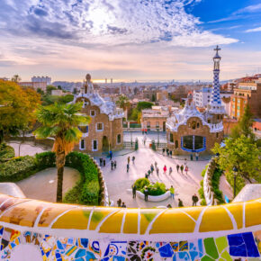Wochenendtrip: 3 Tage Barcelona im guten 4* Hotel am Meer mit Flug nur 95€