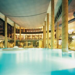 Carolus Therme Angebot: Eintritt & Übernachtung im 4* Hotel inkl. Frühstück nur 85 €