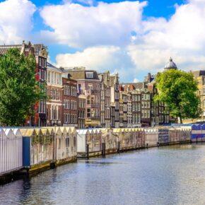 Kurztrip Amsterdam: 3 Tage im zentralen 4* Hotel mit Frühstück & Grachtenrundfahrt ab 99€