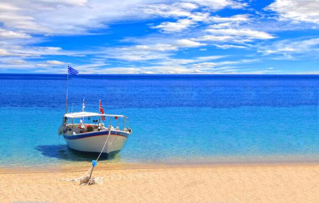 Fischer Boot auf Kreta am Strand