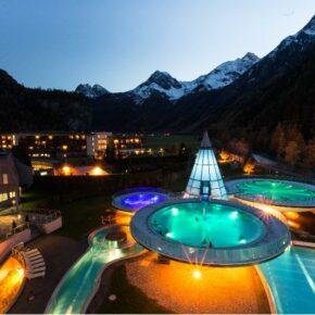 Aqua Dome Pool