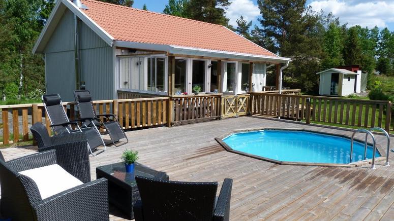 1 woche schweden im ferienhaus mit eigenem pool nur 82. Black Bedroom Furniture Sets. Home Design Ideas