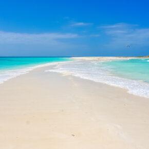 Hauptreisezeit: 14 Tage traumhafte Malediven mit Strandunterkunft, Frühstück & Direktflug für nur 569€