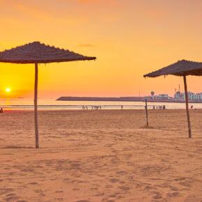 Marokko im Sommer: 7 Tage im 3* Hotel in Agadir mit Halbpension, Flug, Transfer & Zug nur 201€