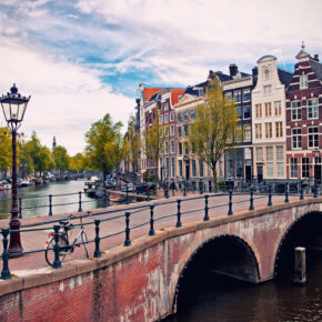 3 Tage Amsterdam im 3* Hotel2Stay inkl. Sauna & Flixbus Tickets ab 99 €