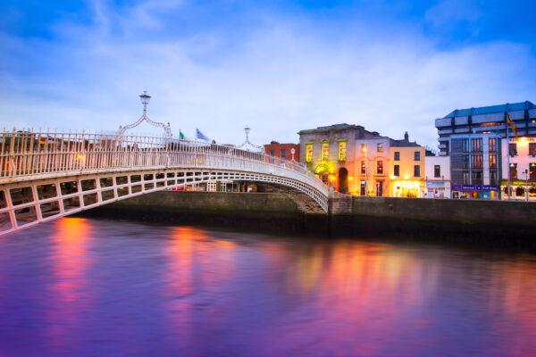 Dublin Bruecke Wasser