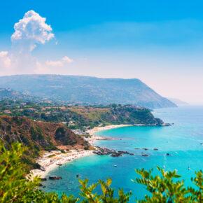 Italien: 7 Tage Kalabrien im TOP 3* Hotel mit Meerblick, HP & Flug nur 278€